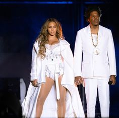 Beyonce performs on the stage with partner Beyonce Style, Beyonce And Jay Z, Rihanna, Beyonce Costume, Beyonce Beyhive, Beyonce Instagram, Beyonce Coachella, Mrs Carter, Blue Ivy