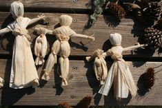 Corn husk doll tutorial.