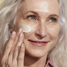 Anti Aging Moisturizer, Confidence In A Cream, Even Skin Tone, Anti Aging Cream, Flawless Skin, Beauty Hacks, Olay, Natural Beauty