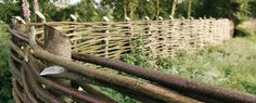Tips on making a wattle fence (in dutch)