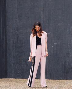 """1,417 curtidas, 21 comentários - NICOLE PINHEIRO (@nicolepinheiro) no Instagram: """"Pink Vibes com look todo @reginasalomao 💗 #ootd #spfw #day2 #qgfhits . { Visitei hoje o stand da…"""""""