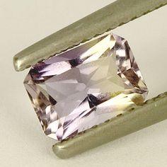 Catawiki Online-Auktionshaus: Purple-Yellow Ametrin - Gewicht:0,93 ct