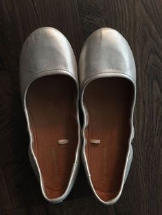 7971ac75484f Falls Creek big girls Shoes size 4 silver  fashion  clothing  shoes   accessories
