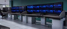 DCNS - Département Cyberdéfense - I-Kube étudié pour accueillir 10 écrans chacun