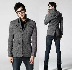 Choosing to buy a duffle coat is a decision that will help keep you warm during the cold winter months. Korean Fashion Men, Korean Men, Mens Fashion, Men's Semi Formal, Formal Attire For Men, Mens Overcoat, Types Of Coats, Today's Man, Elegant