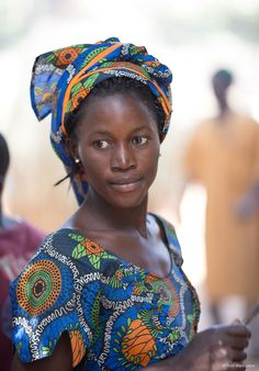 Gambia – Portraits of Beauty, Elegance and Dignity