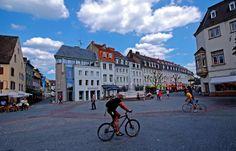 Scheint heute ja kein soo schlechter Tag zu werden. ... Dann macht was draus, Auch am St. Johanner Markt in Saarbrücken. http://www.tourismus.saarland.de/de/st-johanner-markt-mit-basilika-st-johann