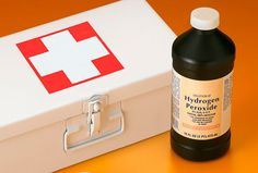 DIY 16 Essential Things For First Aid Kit