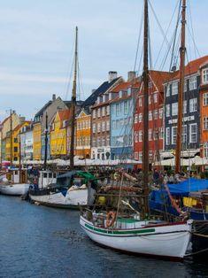 Colourful facades in Amsterdam Amsterdam, Visit Denmark, Tours, Copenhagen Denmark, Sailing Ships, San Francisco Skyline, Travel Photography, Beautiful Places, Boat
