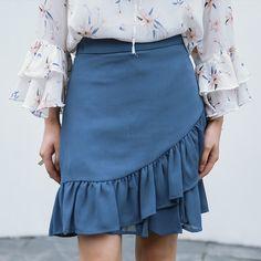 Irregular Ruffles Mini falda Verano de Las Mujeres Femme Delgado Faldas  Falda de Gasa de Color Rojo Azul en Faldas de Ropa y Accesorios de las  mujeres en ... 3a33259c930