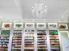 PALAU pharmacy by MARKETING JAZZ Barcelona Spain 11