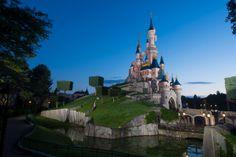 Inaugural Disneyland Paris Half Marathon To Feature Weekend Full of Family-Friendly Experiences Run Disney, Disney Parks, Disney Magic, Disneyland Paris Castle, Sleeping Beauty Castle, Trip Planning, Marathon, Barbecue, Statue Of Liberty