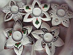 Dekorácie - Svietnik - vianocna hviezda - 4630748_ Christmas Gingerbread Men, Gingerbread Cookies, Christmas Cookies, Christmas Entertaining, Advent Wreath, Cookie Desserts, Biscotti, Cookie Decorating, Halloween