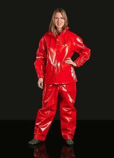 Seglarjacka i blank Opalo Suits For Women, Jackets For Women, Rain Fashion, Women's Fashion, Rain Suit, Wellies Rain Boots, Vinyl Clothing, Rubber Raincoats, Pvc Raincoat