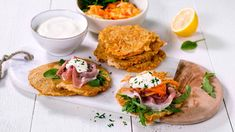 Danish Food, Salmon Burgers, Avocado Toast, Pesto, Dinner Recipes, Lunch, Breakfast, Ethnic Recipes, Pancake Recipes