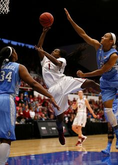 Stanford Cardinal's Lili Thompson (1) takes a shot against University of North Carolina Tar Heels' .