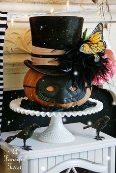 A Fanciful Twist Time for a halloween party 9 Retro Halloween, Spooky Halloween, Halloween Masquerade, Halloween 2019, Holidays Halloween, Halloween Pumpkins, Halloween Crafts, Happy Halloween, Halloween Pumpkin Decorations