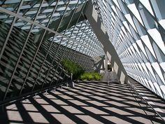 Seattle Public Library by Rem Koolhaas. (via Luke Stearns)