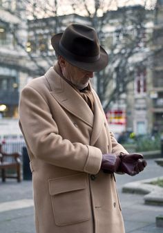 voxsart:    The Art of the Polo Coat.  The dapper Michael Alden.