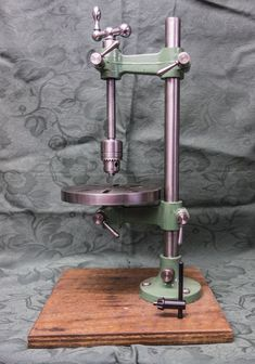 Universal Pillar tool used for tapping parts