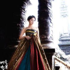 #hanbok #beautiful #grace #colorful #꽃가람 #flower #river #lady