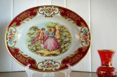 """Daher Decorated Ware Victorian Courting Couple, Victorian Love Story Serving Tray Décor, Shabby Chic Romantic Home Décor Daher Decorative Tray Stamped on the back: """"Daher Decorated Ware"""" Designed by; Daher Long Island-N.Y. 11101 Made in England Cleaning instructions: Clean with a damp cloth. Pattern: Courting couple/Love story Victorian motif  Great size for serving or even displaying in the home. This Victorian pattern design could even be used on your dressing table/vanity area. G..."""