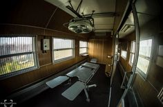 Opuszczony Wagon Medyczny #urbex #abandonedplaces #abandoned #opuszczone_miejsca #fotografia #urban #urbanphotography