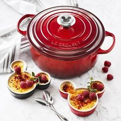 Williams Sonoma Exclusive Disney Le Creuset Mickey Ramekins and Round Oven Are So Cute! Cozinha Do Mickey Mouse, Mickey Mouse Kitchen, Mickey Mouse House, Minnie Mouse, Le Creuset Cast Iron, Le Creuset Cookware, Disney Kitchen Decor, Disney Home Decor, Disney Decorations