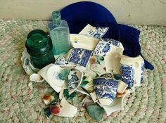 Check out this item in my Etsy shop https://www.etsy.com/listing/230031981/antique-broken-china-in-shades-of-blues