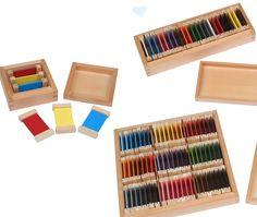 """Farben lernen? Und dafür noch ein extra Montessori-Material? """"Kinder lernen die Farben doch von alleine"""" oder """"Die paar Farben hat ein Kind doch schnell so gelernt"""" """"Was hat sich Maria Montessori denn dabei gedacht?"""" So oder ähnlich tönt es gerne mal aus den Reihen der weniger an der Montessori-Pädagogik interessierten Menschen. Nun, was Frau Dr. Montessori sich wirklich dachte, können wir nur ..."""