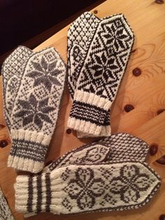 Selbuvotter Mittens Pattern, Knit Mittens, Knitting Stitches, Knitting Patterns, Knit Crochet, Crochet Hats, Fair Isle Knitting, Winter Accessories, Keep Warm