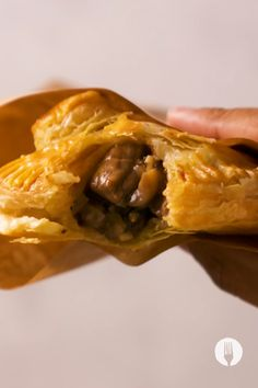 These easy hand pies are wrapped in flaky puff pastry and makes an easy savoury snack, quick lunch recipe and easy lunchbox idea too. The easy pie filling recipes make these mini versatile pies, fit to feed the family!