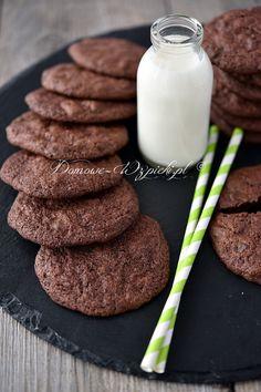 Bezglutenowe ciasteczka mocno czekoladowe Cupcakes, Glass Of Milk, Biscuits, Food And Drink, Gluten Free, Xmas, Chocolate, Baking, Healthy