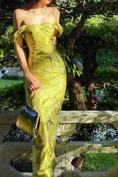 Elegant Dresses, Pretty Dresses, Beautiful Dresses, Hourglass Dress, Fairytale Dress, Gala Dresses, Dresses Dresses, Long Dresses, Summer Dresses