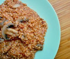 """""""Μανιτάρια με γλυκό τραχανά. Μια λύση της Ελληνικής κουζίνας για γρήγορο, νόστιμο και υγιεινό φαγητό. #trahanas #mushrooms #sauteed #wine #tomatoes #thyme…"""""""