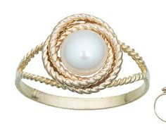 Pearl knot ring. Obsessed with this.
