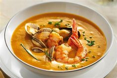 recetas navidenas crema de marisco New Recipes, Favorite Recipes, Healthy Recipes, Food From Different Countries, Magic Recipe, Xmas Food, Seafood Dishes, Winter Food, Tasty Dishes