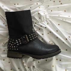 Breckelles Black Combat boots with studs Comfy and really cute Breckelles Shoes Combat & Moto Boots