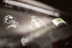 2/5 Wein richtig lagern: Die Temperatur #Weinlagerung #online #magazine #Wein #MövenpickWein #blogging Online Magazine, Light Bulb, Worth It, Red Wine, Flasks, Lightbulbs, Electric Light, Lightbulb