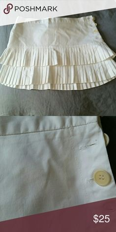 BCBG Maxazria Skirt Worn a few times has a little stain you can barely see, besides that in great condition,  absolutely adorable! BCBGMaxAzria Skirts Mini