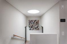 meier architekten – Objekt 317 #architektur #architekturschweiz #architekturzürich #architekturbüro #designhaus #interiordesign #design Meier, Interiordesign, Videos, Architects, Detached House, Stairway
