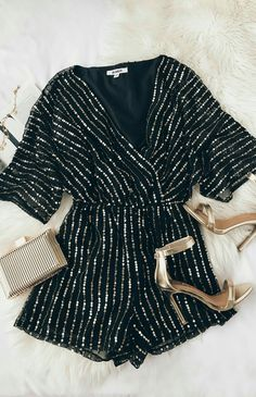 Odelia Black and Gold Sequin Romper - Damen Mode 2019 Look Fashion, Fashion Outfits, Womens Fashion, Fashion Black, Outfit Chic, Looks Style, My Style, Looks Party, Winter Outfits