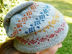 Ravelry: Keep It Simple Hat pattern by April Klich free pattern ... worsted wgt ... 176 - 208 yards ... two sizes