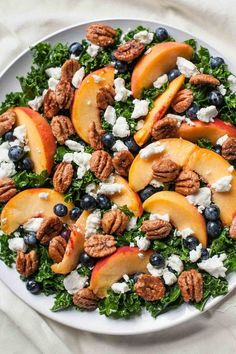 Summer Kale Salad with Peaches and Candied Pecans This refreshing berry peachy kale salad is packed with summer superfoods and topped with creamy goat cheese and crunchy candied pecans. - summer kale salad with peaches and candied pecans Clean Eating Vegetarian, Clean Eating Dinner, Clean Eating Recipes, Vegetarian Recipes, Healthy Eating, Cooking Recipes, Healthy Recipes, Kale Salad Recipes, Cooking Tips