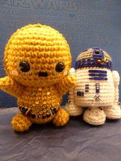 C-3P0 and R2-D2 amigurumi