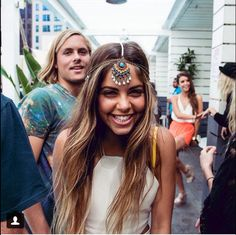 Pretty little boho head piece. Making this for my boho self ! Hippie Chic, Hippie Style, Gypsy Style, Boho Gypsy, Boho Chic, Boho Style, Jóias Body Chains, Head Chains, Inka Williams