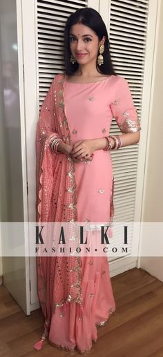 Divya Khosla Kumar: Dressed like a diva in a simple pink salwaar suit, she was won all hearts with her beauty Custom made availaible at Royal Threads Boutique. To order whatsapp at Indian Suits, Indian Attire, Indian Ethnic Wear, Indian Dresses, Punjabi Suits, Salwar Suits, Ethnic Style, Pakistani Dresses, Salwar Kameez