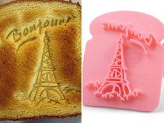 """Para os mais românticos, um """"carimbo"""" para torradas com a inscrição """"love"""" (encontramos à venda na Boutique Jezebel):"""