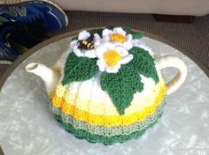But I had to include it, so pretty. Crochet Kitchen, Crochet Home, Teapot Cover, Knitted Tea Cosies, Japanese Patchwork, Tea Cozy, Flower Tea, Tea Art, Vintage Tea