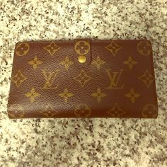 Louis Vuitton Snap Wallet Monogram Louis Vuitton wallet with space for 6 credit cards, coins and bills! Perfect wallet for everyday use. Slight wear as expected with a used wallet but in overall fantastic condition Louis Vuitton Bags Wallets